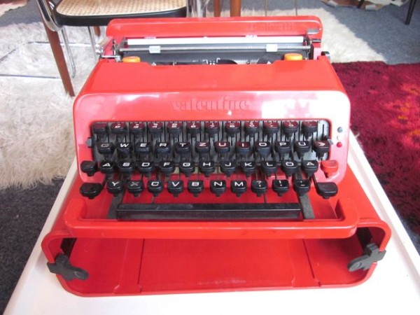 Schreibmaschine Valentine - Ettore Sottsass für Olivetti