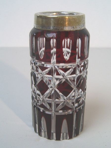 Art Deco Rubinglas-Vase, wohl Böhmen