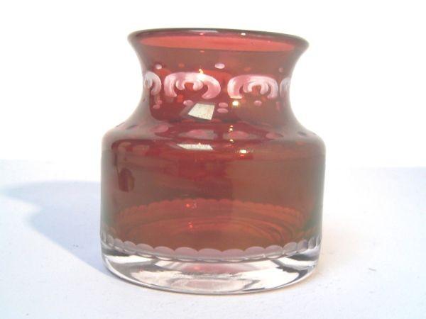 Art Deco Vase mit Rubinglasüberfang