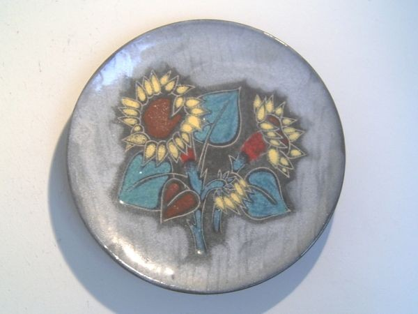 Wandteller mit Sonnenblumen - von Ruscha