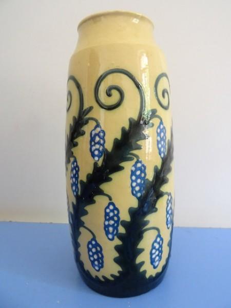 Karlsruher Majolika Vase Alfred Kusche Ranken 2249 Blumenvase sehr selten