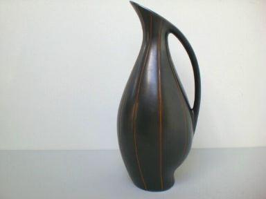 Asymmetrische Krugvase - Fritz van Daalen