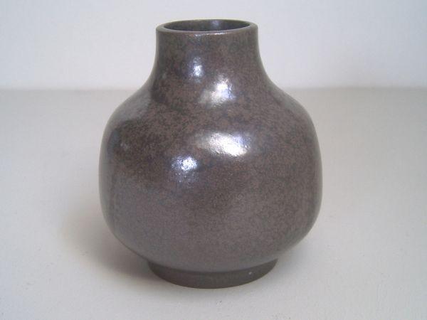 Vase mit braun-irisierender Glasur - Karlsruher Majolika