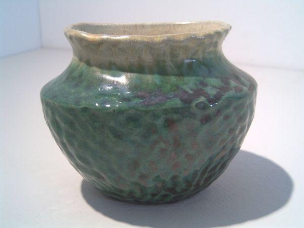 Kleine grüne Art Deco-Vase