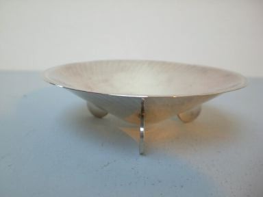 Kleine Art Deco-Schale auf Scheibenfüssen - WMF